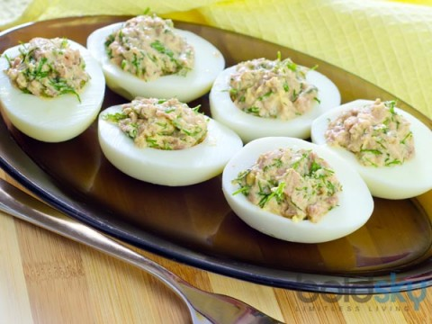 24-1435121400-06-x04-stuffed-egg-with-mayonnaise-recipe