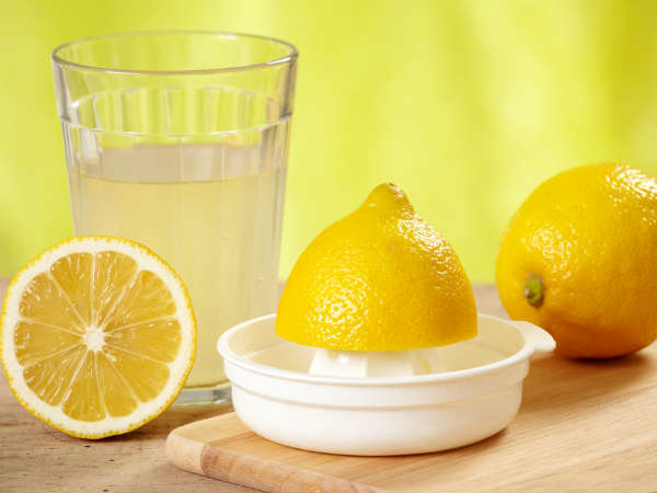 25-1432529209-19-1432036657-3-warm-lemon-juice