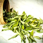 13-1434175793-curry-leaves